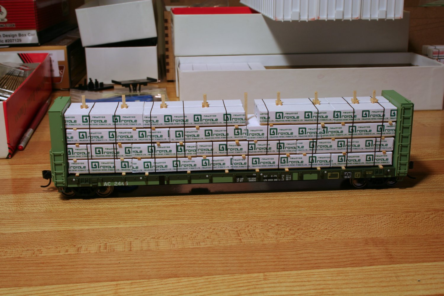 Lumber Loads | Algoma Central In Ho Scale